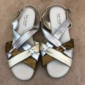 Soft Style Comfort Sandals Size 9.5 Wide